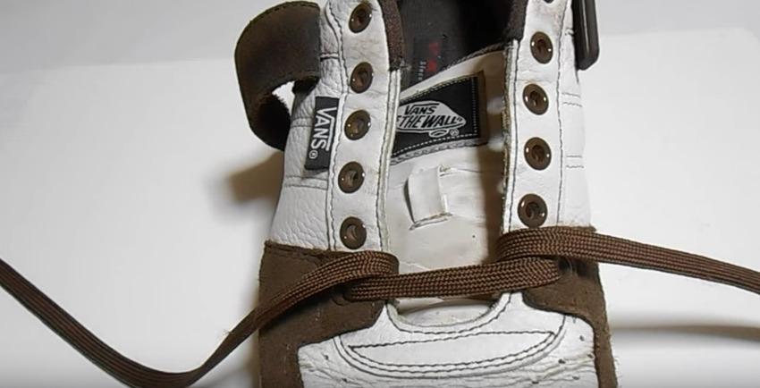革靴の紐、買ったときの結び方のまま?シーン別ビジネスシューズの紐の結び方 10番目の画像