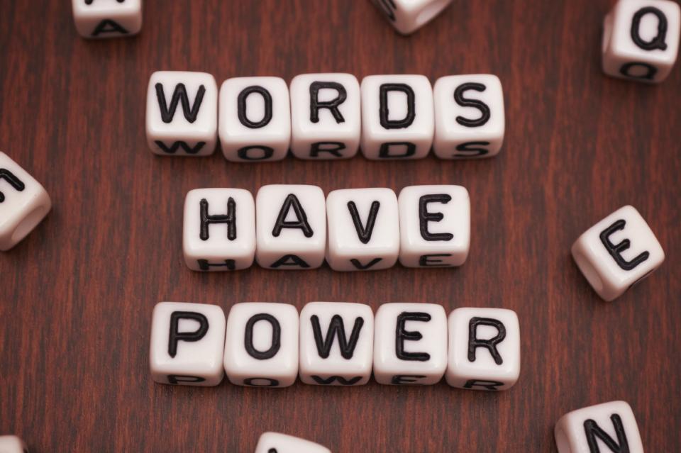 """""""現代""""に読みたい、おすすめ傑作詩集5冊:名言にも勝る「詩の力」で感性を磨け 1番目の画像"""