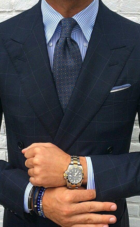 """ネクタイが彩る、魅惑のネイビースーツコーデ集:""""いつも""""を変えるたった4つのテクニック 7番目の画像"""