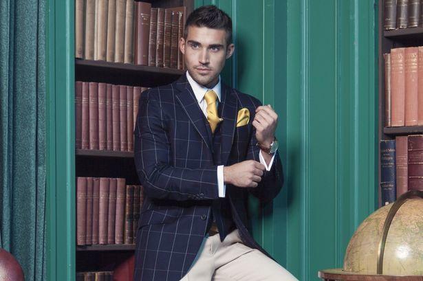 """ネクタイが彩る、魅惑のネイビースーツコーデ集:""""いつも""""を変えるたった4つのテクニック 8番目の画像"""