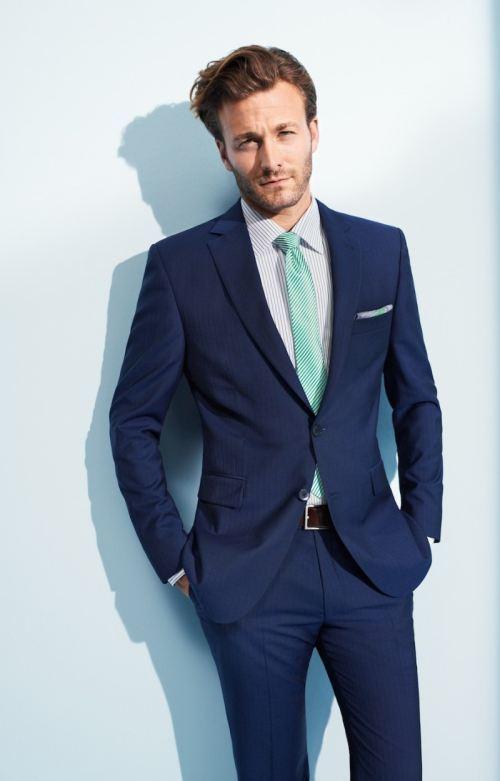 """ネクタイが彩る、魅惑のネイビースーツコーデ集:""""いつも""""を変えるたった4つのテクニック 10番目の画像"""