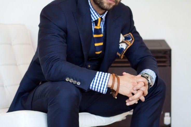 """ネクタイが彩る、魅惑のネイビースーツコーデ集:""""いつも""""を変えるたった4つのテクニック 11番目の画像"""