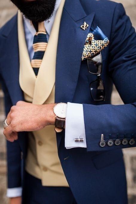 """ネクタイが彩る、魅惑のネイビースーツコーデ集:""""いつも""""を変えるたった4つのテクニック 13番目の画像"""