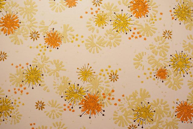 部屋の雰囲気が決まる、リビングの壁紙の選び方:目指すリビングをイメージして、頭の中で壁紙を貼れ! 1番目の画像