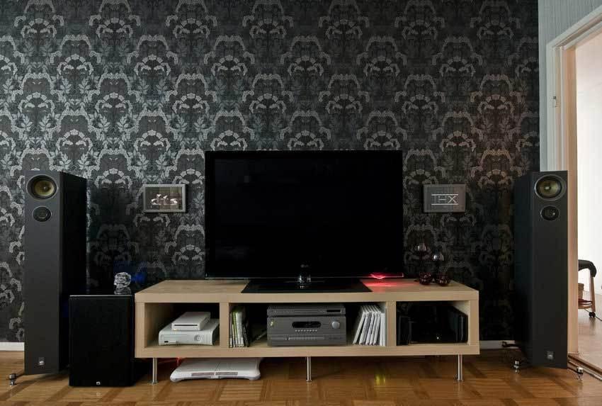 部屋の雰囲気が決まる、リビングの壁紙の選び方:目指すリビングをイメージして、頭の中で壁紙を貼れ! 2番目の画像