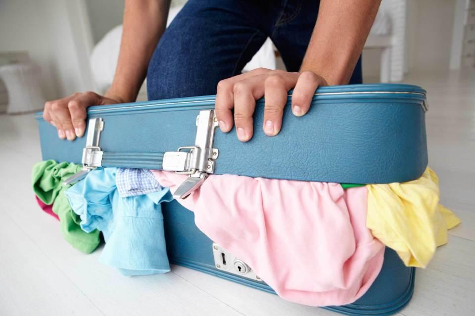 """スーツケースの中身を美しく見せる「荷物の詰め方」:""""たった5つの工夫""""で劇的に変わる旅行前の準備 2番目の画像"""