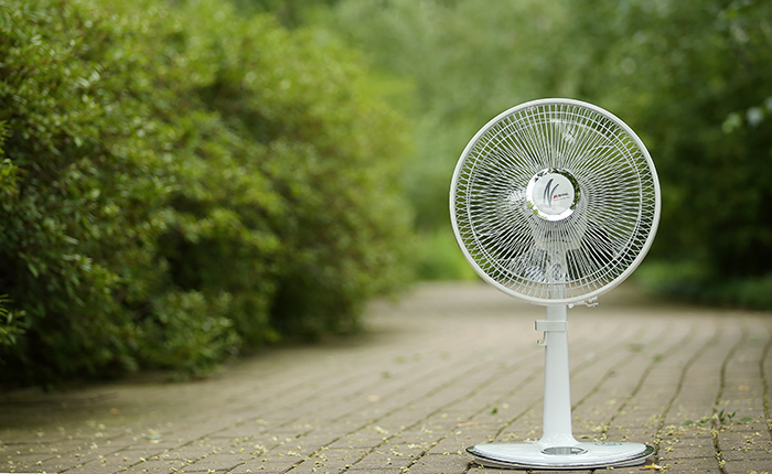 """面倒くさい「扇風機の掃除」を""""誰でも簡単にできる""""3つのステップ 1番目の画像"""