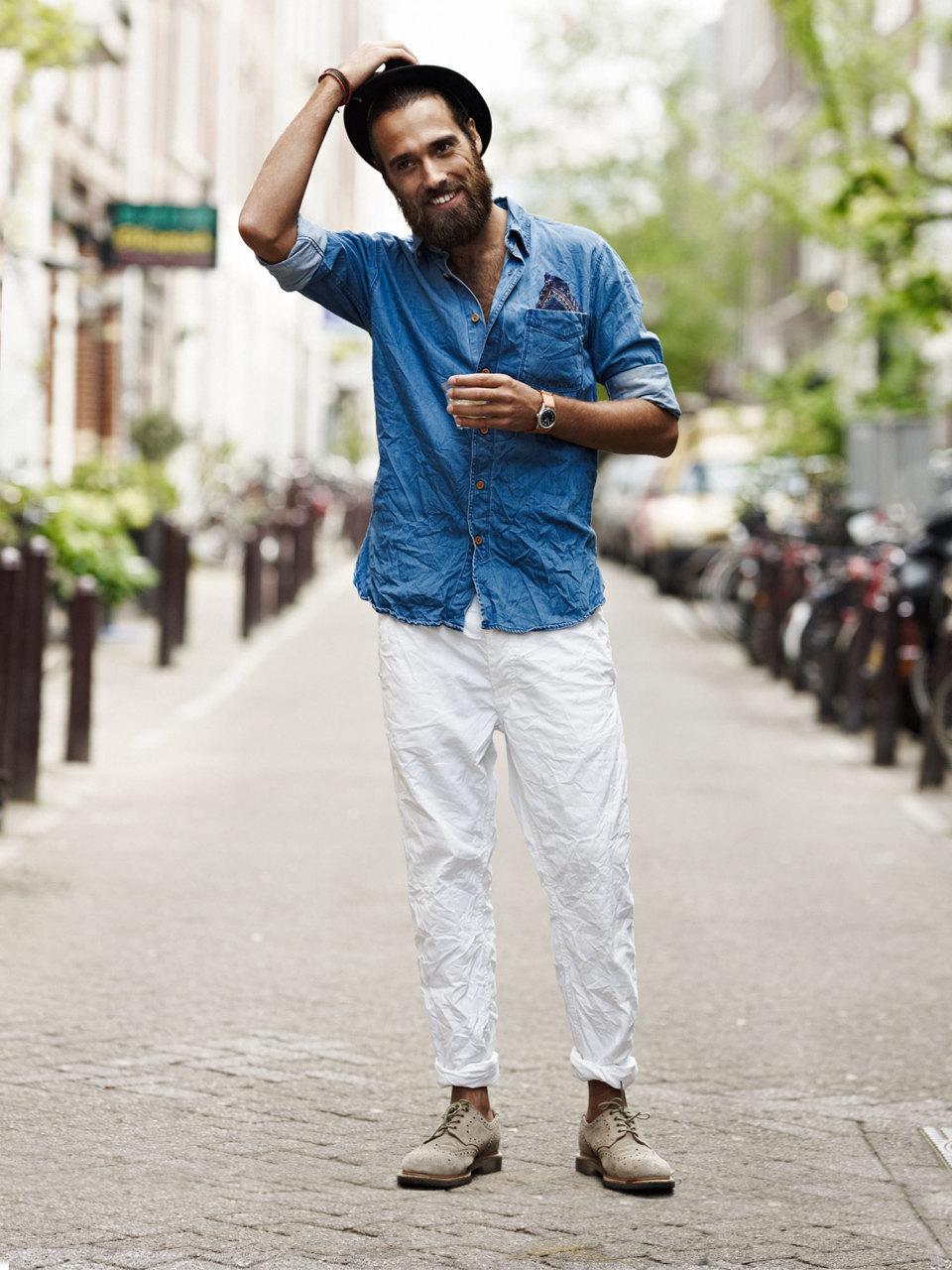 """白パンツ着こなしで目指す「爽やかメンズ」への道:春の季節感溢れる""""簡単おしゃれ""""着こなし  7番目の画像"""
