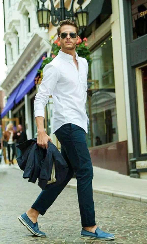 """メンズファッションの大黒柱、""""白シャツコーデ""""決定版:これからの季節には白シャツで爽やかに飾れ 12番目の画像"""