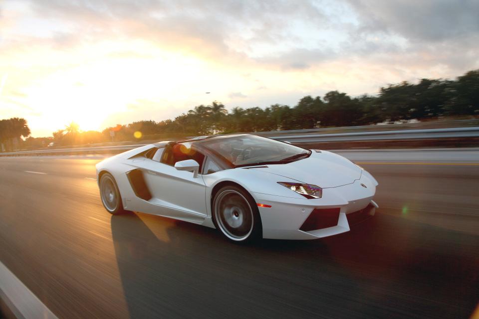 男子の憧れ! 5台の刺激的な外車「スポーツカー」:乗らずとも眺めるだけで得られる高揚を体感せよ 1番目の画像