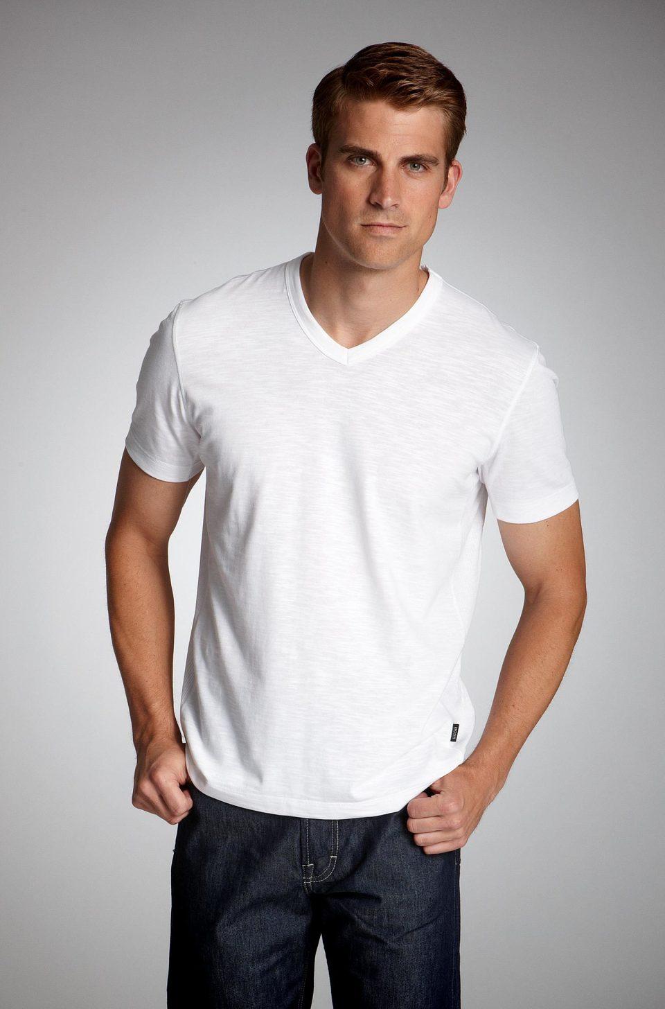 メンズファッションの標準装備「無地Tシャツ」のおすすめコーデ:これからの季節はこれで決まり! 2番目の画像