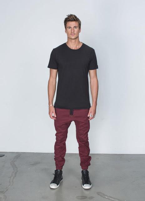 メンズファッションの標準装備「無地Tシャツ」のおすすめコーデ:これからの季節はこれで決まり! 10番目の画像