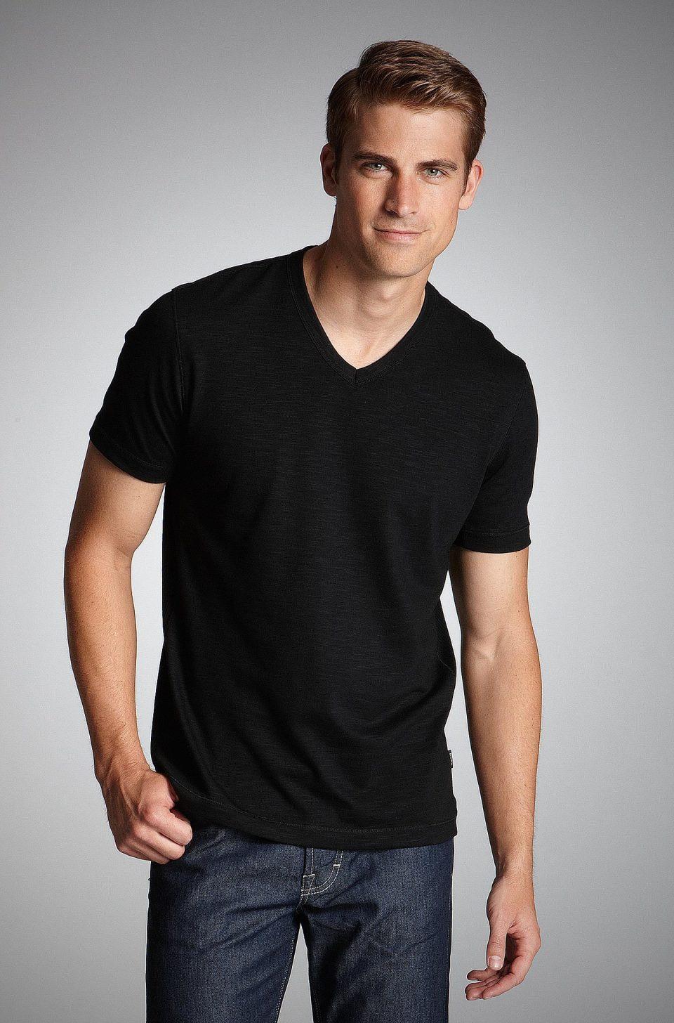 メンズファッションの標準装備「無地Tシャツ」のおすすめコーデ:これからの季節はこれで決まり! 9番目の画像