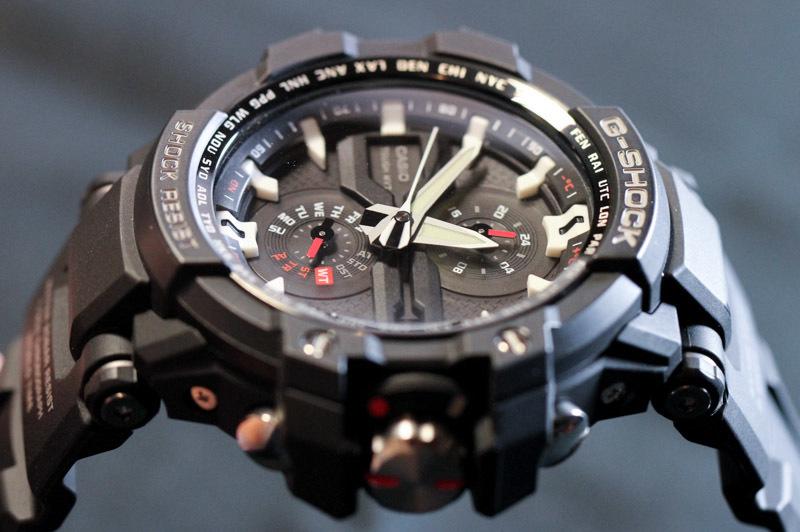 """メンズの""""かっこよさ""""を際立たせる10の腕時計ブランド:フォーマルでも、カジュアルでも 7番目の画像"""