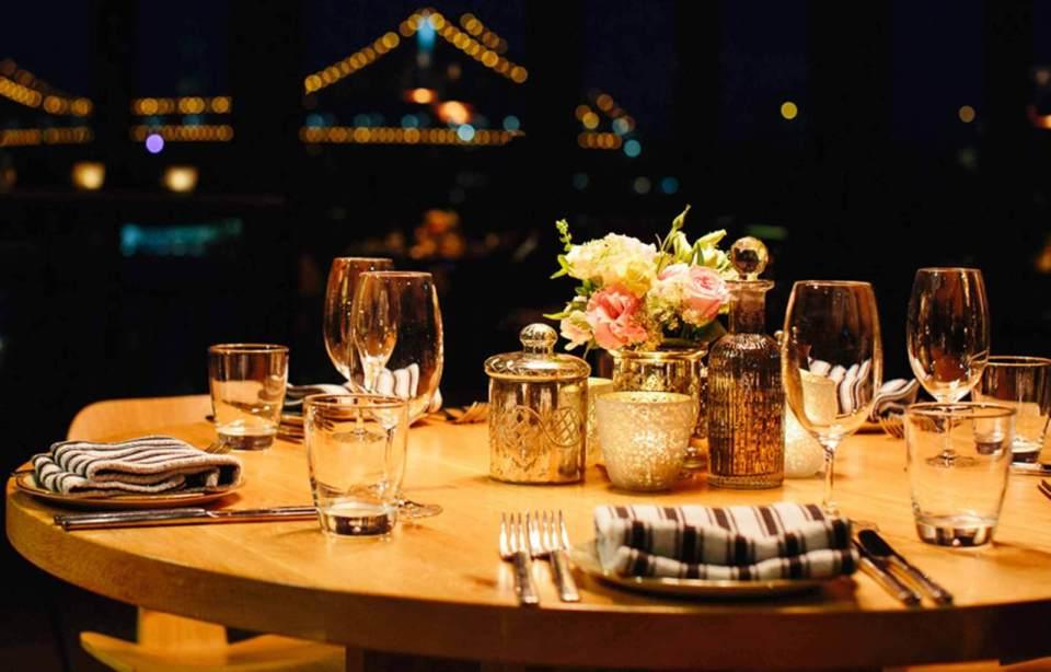 """ダイニングテーブルは""""洗練されたおしゃれな部屋""""への第一歩! 4つのメーカーが生み出す独自の空間 1番目の画像"""