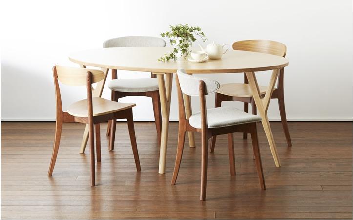 """ダイニングテーブルは""""洗練されたおしゃれな部屋""""への第一歩! 4つのメーカーが生み出す独自の空間 3番目の画像"""