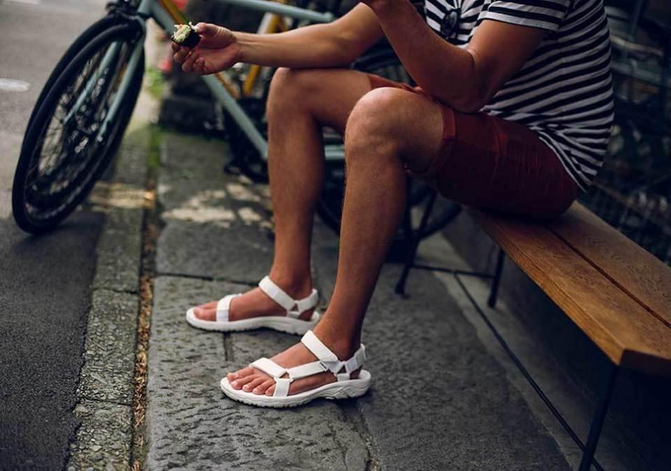"""夏コーデの新主役「スポーツサンダル」:アウトドアに留まらない""""街履き""""コーデをご紹介 7番目の画像"""