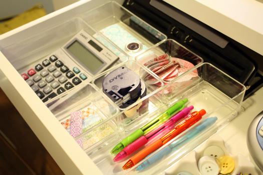 仕事がはかどる「デスク整理術」:できる男のデスクは、自分だけのオフィスビルだと思え。 4番目の画像