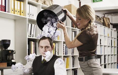 """""""職場いじめ""""の撃退法5つ:『職場いじめ―あなたの上司はなぜキレる』 1番目の画像"""