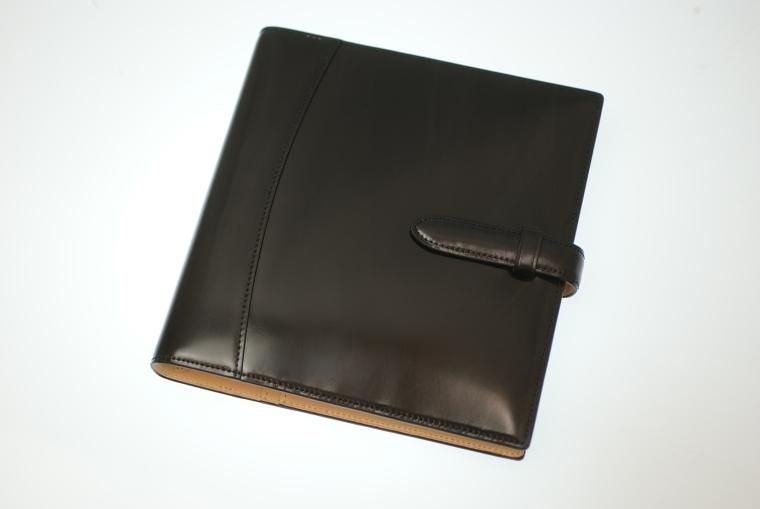 """気品漂うおすすめな5つの「革手帳」:""""革を育てる""""という贅沢な趣向をビジネスシーンで楽しめ。 6番目の画像"""