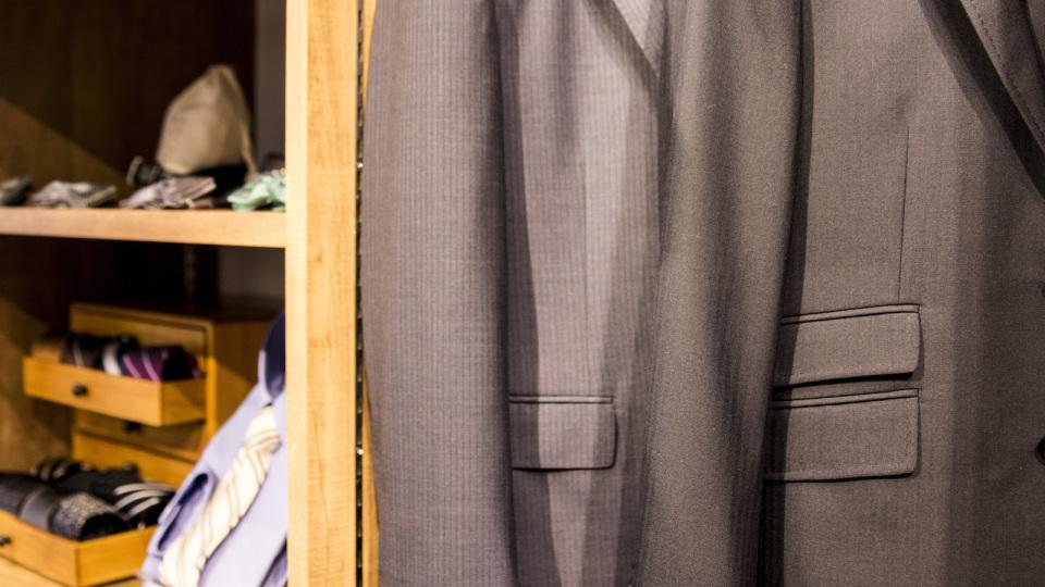 「EC専門オーダースーツ」がリアル店舗に進出した理由とは? 飛ぶように売れる新興ブランドに迫る。 11番目の画像