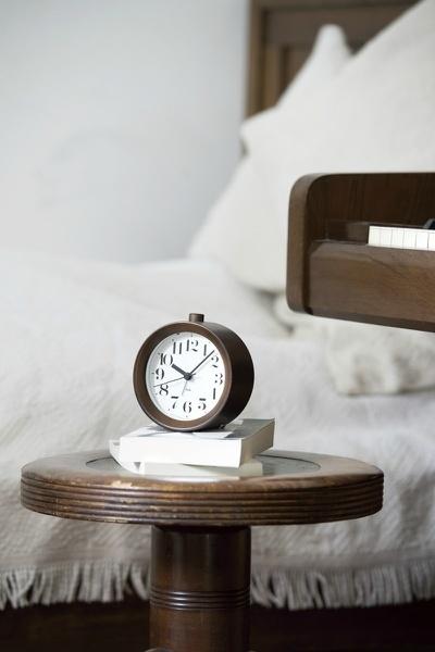 """人生に寄り添うプレゼントに相応しい8つの置時計:目には見えない""""時間""""を大切な人に贈る 3番目の画像"""