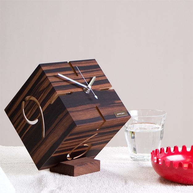 """人生に寄り添うプレゼントに相応しい8つの置時計:目には見えない""""時間""""を大切な人に贈る 8番目の画像"""