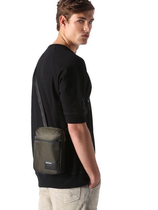 スタイリッシュで機能的な「ディーセルのメンズバッグ」:5つのタイプ別人気バッグ 4番目の画像
