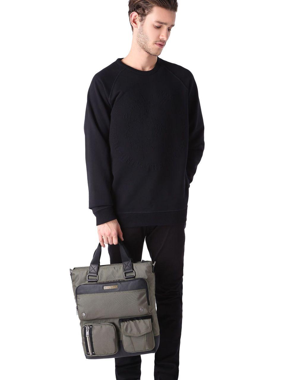 スタイリッシュで機能的な「ディーセルのメンズバッグ」:5つのタイプ別人気バッグ 5番目の画像
