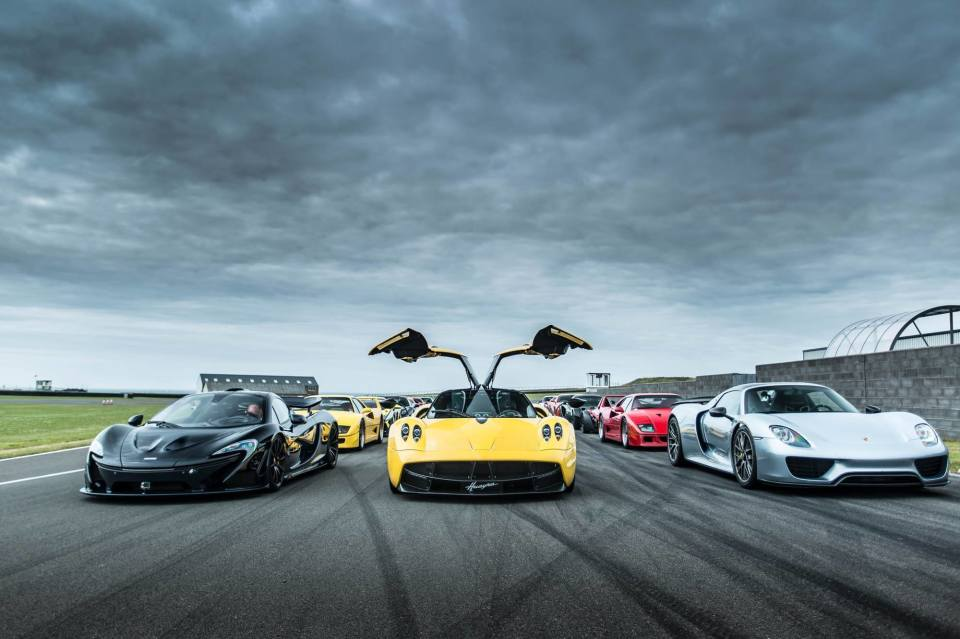 """男なら一度は憧れる""""スポーツカー"""" 燃費が悪いって聞くけど、ホントのところどうなの? 1番目の画像"""