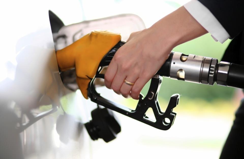 """男なら一度は憧れる""""スポーツカー"""" 燃費が悪いって聞くけど、ホントのところどうなの? 2番目の画像"""
