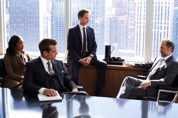 新卒は高いスーツを着てはいけない? それぞれの相場から見えてくる、今の自分に適したスーツの選び方 4番目の画像
