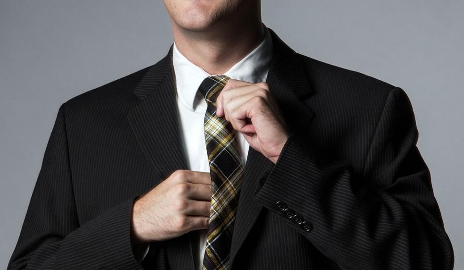 """スーツを買うなら知っておきたい! """"シングル""""と""""ダブル""""の裾の違いとそれぞれが適した場所とは 1番目の画像"""