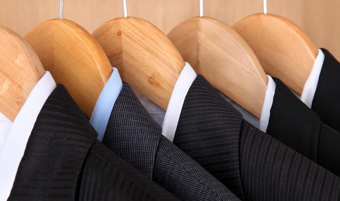 「スーツに寿命がある」って知ってた? スーツの寿命を劇的に延ばすコツとは 1番目の画像