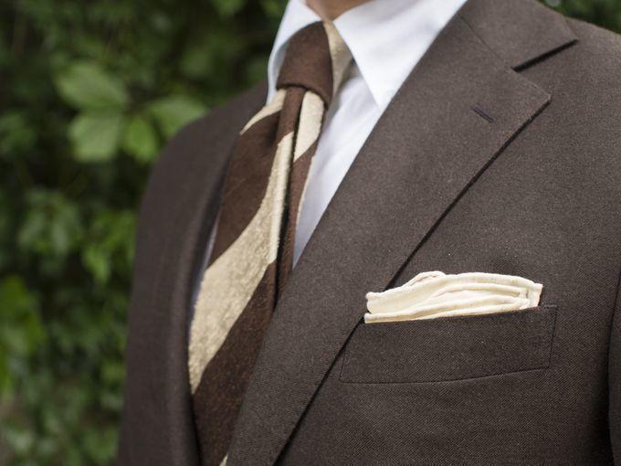 """シチュエーション別ハンカチ(ポケットチーフ)の折り方:""""結婚式""""と""""ビジネス""""では折り方が違う! 3番目の画像"""