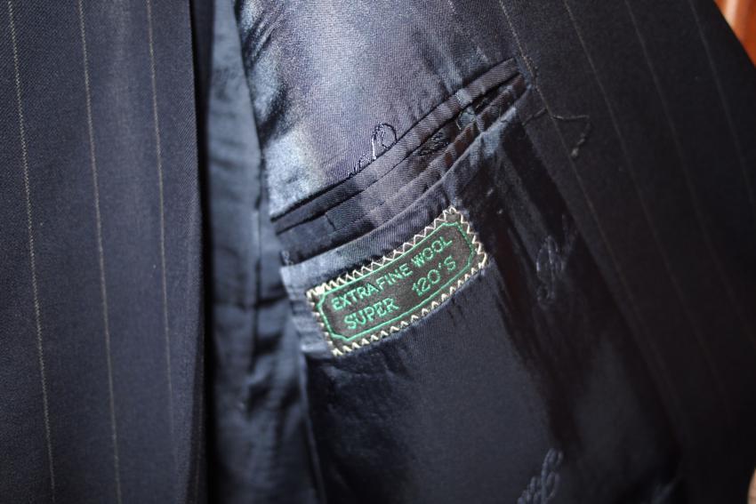"""生地選びこそ「スーツ選びの醍醐味」:スーツスタイルを格上げする""""生地選びのコツ""""とは? 3番目の画像"""