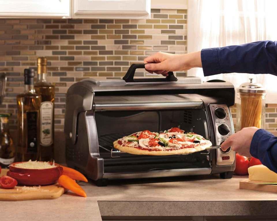 インテリアにもおしゃれな8つの「オーブントースター」:一日の始まりを美味しいパンの香りで! 1番目の画像