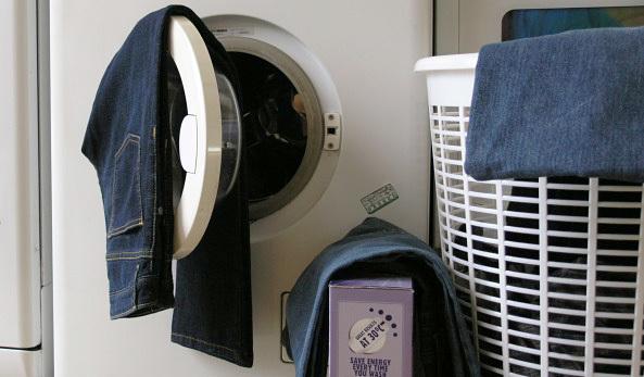 あなたはどっち? ジーンズを洗濯することのメリットとデメリットを分かりやすく解説 1番目の画像