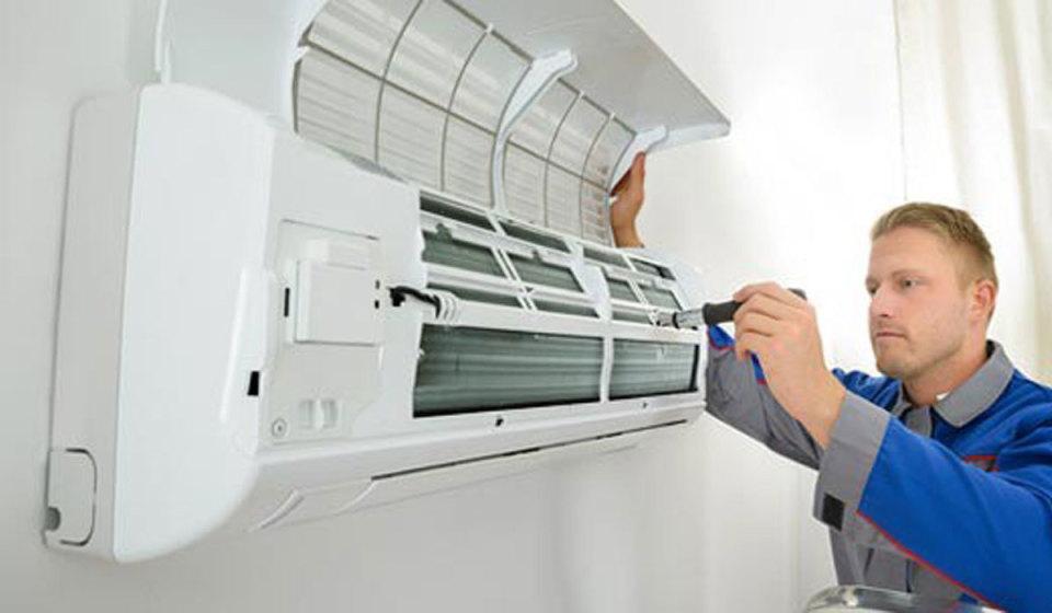 エアコンの取り外し・取り付けをする前に! 業者の選び方のコツ! 1番目の画像