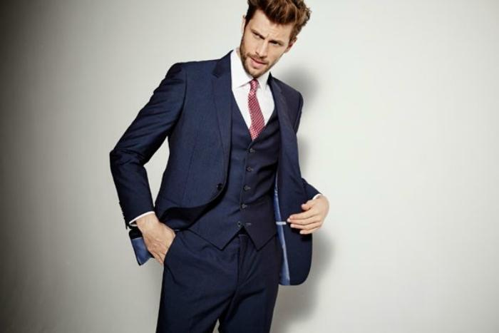 メンズコーデ入門! スーツとネクタイとシャツの色や柄の合わせ方! 1番目の画像