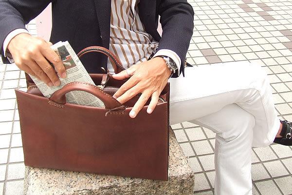 デキるビジネスマンはバッグの中がきれい! バッグの中身を整理するコツって? 1番目の画像