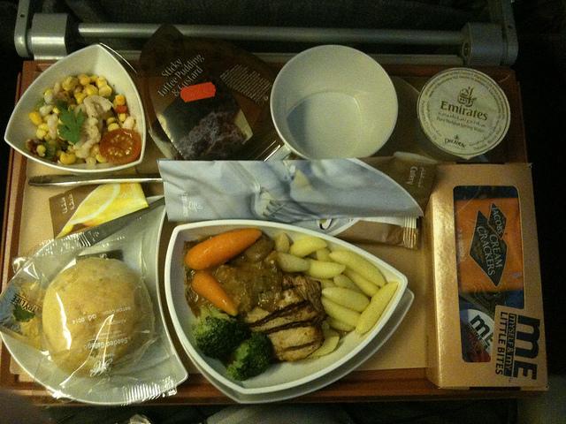 """エコノミークラスでさえ""""空飛ぶレストラン""""!? 世界の航空会社がしのぎを削る人気機内食ランキング 5番目の画像"""