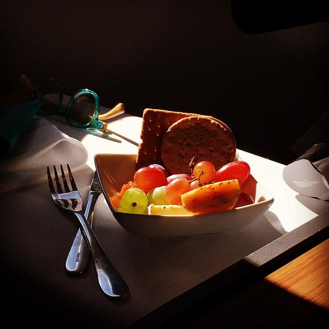 """エコノミークラスでさえ""""空飛ぶレストラン""""!? 世界の航空会社がしのぎを削る人気機内食ランキング 7番目の画像"""