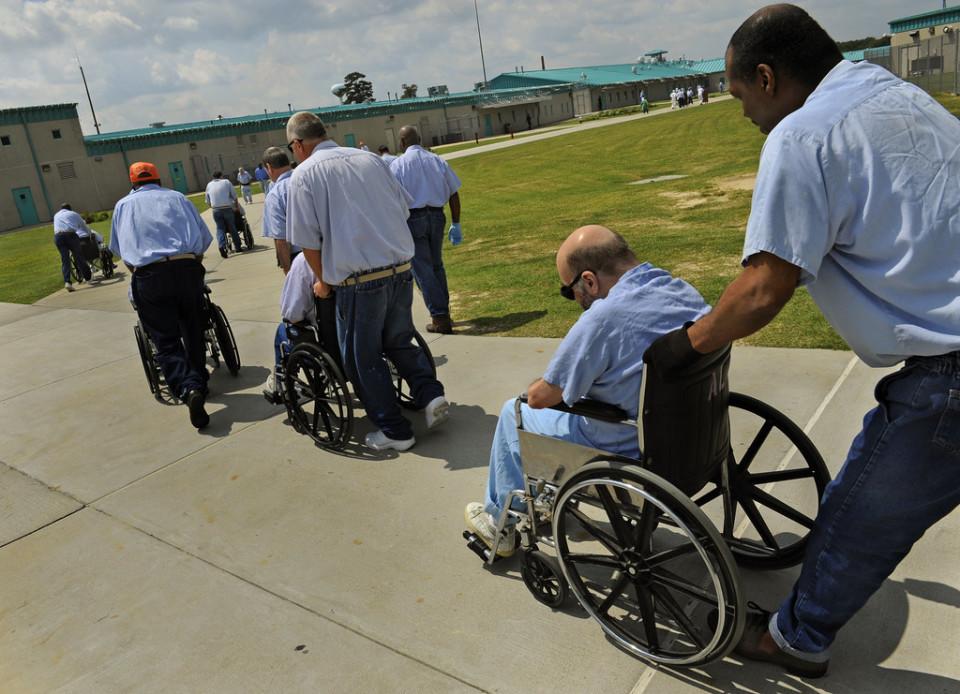"""高齢化が止まらない""""塀の中"""":年老いた受刑者たちの哀しい実情 2番目の画像"""