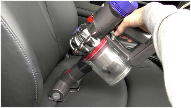 大掃除に大活躍!! 使って実感、冬のボーナスでダイソンの最新掃除機「V8」を買うべき理由 4番目の画像