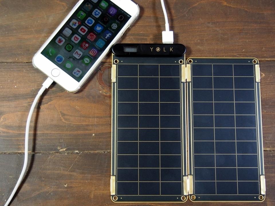 太陽光で充電可能で災害時も安心!スマホに使えるソーラー充電器「Solar Paper」レビュー 2番目の画像