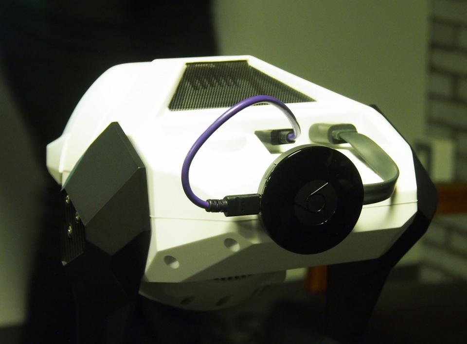 壁や天井がディスプレイに!Cerevoがプロジェクター搭載ロボット「Tipron」を発売 6番目の画像