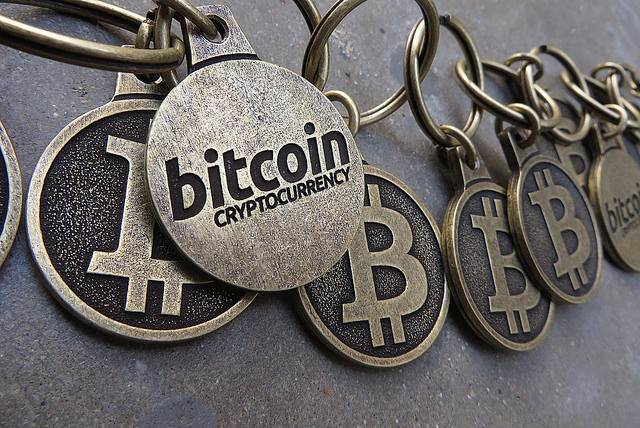 信用情報は共有する時代へ:ビットコイン始め仮想通貨の中核技術「ブロックチェーン」の応用 1番目の画像