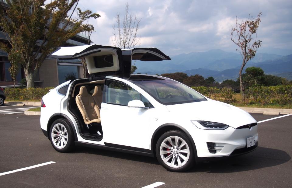 """国内納車間近の「モデルX」に試乗して感じたテスラが提案する""""クルマの未来"""" 1番目の画像"""