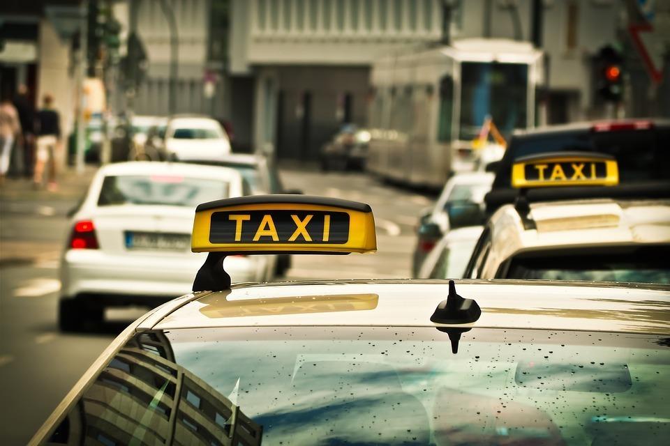 Uberに対抗?タクシーは「ちょい乗り」する時代に:初乗り運賃「410円」へ踏み切った業界の現状 2番目の画像